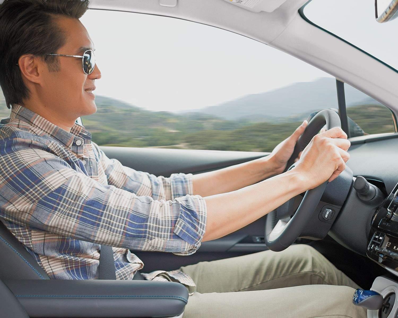 prius-interior-front-seat-driving
