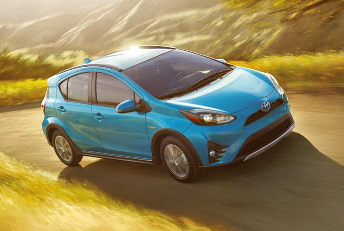 toyota-2018-prius-c-features-performance-battery-m